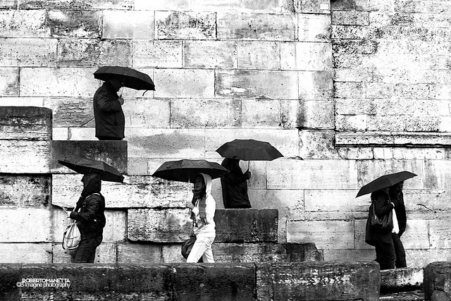 wpid-photographumbrella27sprocessionbyrobertomanettaon500px-2011-01-8-20-35.jpeg